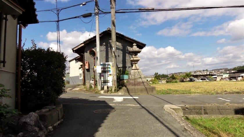 第二阪奈の入り口を右折して狭い道を行くと、R308の地点「a」に出ることが出来た