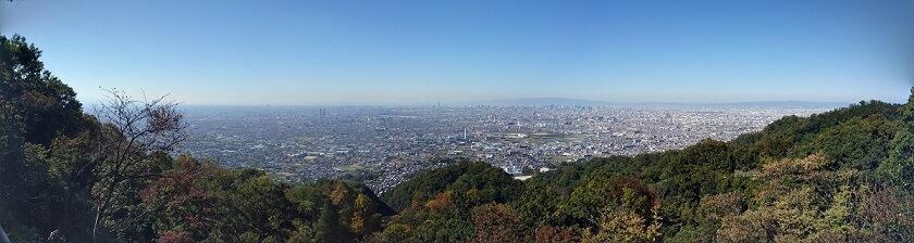 水呑地蔵の展望台から見る、大阪市内のパノラマ