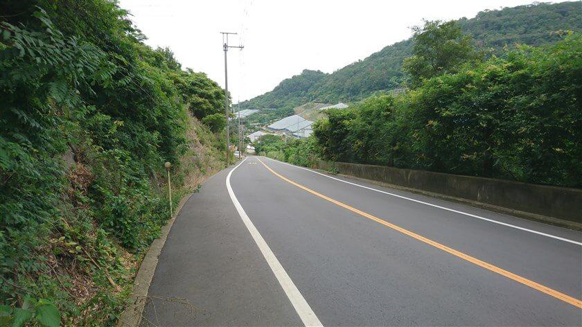 「跨線橋」からは、終点まで下りになっている