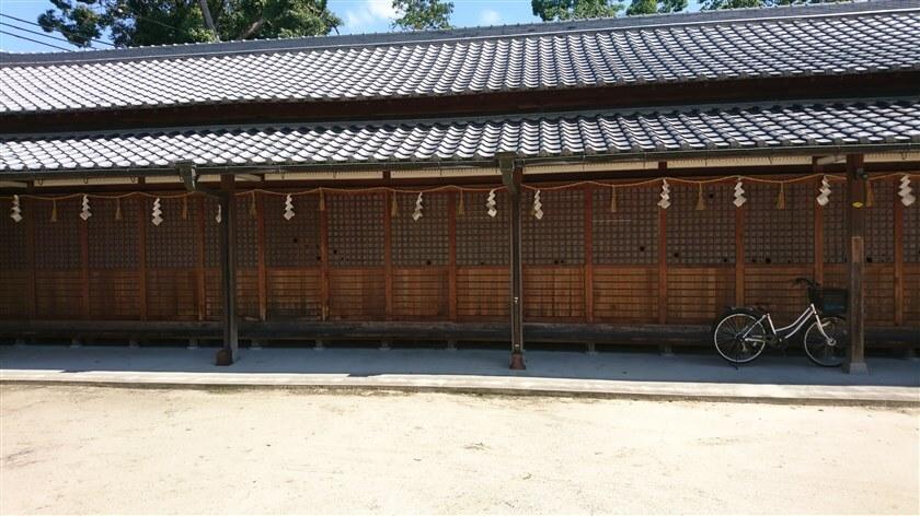 高向神社 東側にある建屋
