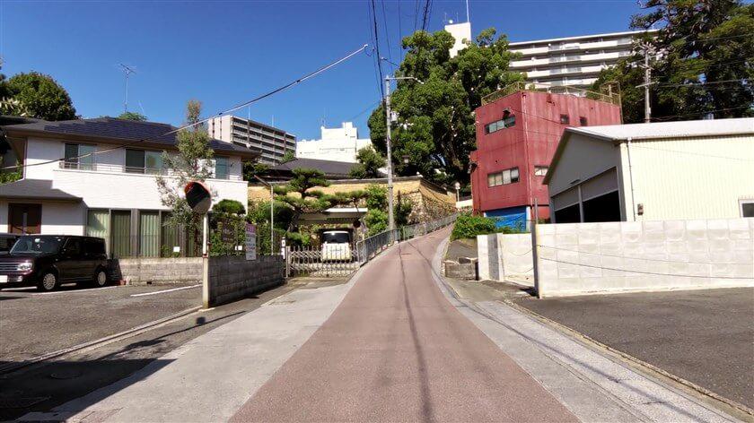 高野街道、入口への坂道