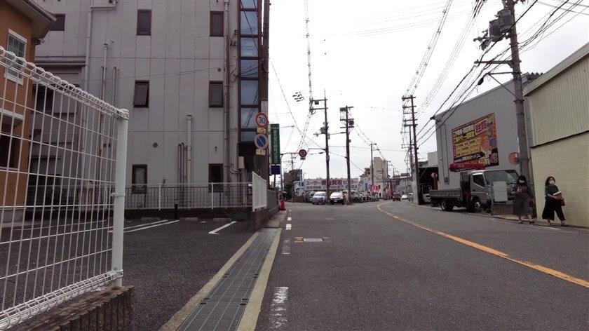 「日下町3」分岐、ここで、左手の旧道に入る