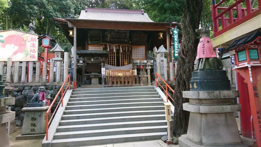 瓢箪山稲荷神社の本殿
