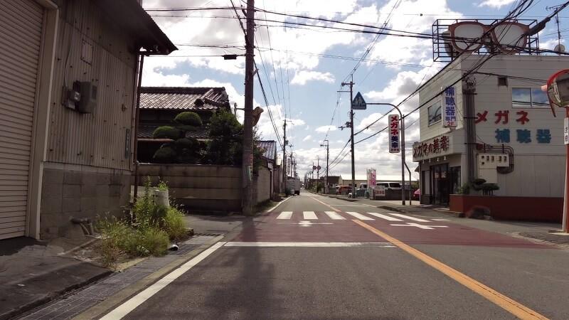 旧国道に戻り、大竹5丁目(信号は無く、少しわかりにくい)を左折してしばらく登ってゆくと、「心合寺山古墳」がある
