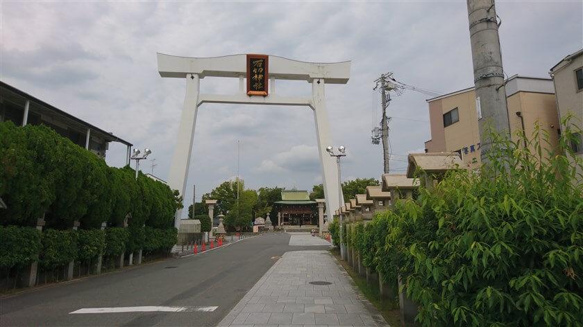 石切劔箭(いしきりつるぎや)神社:正門 鳥居