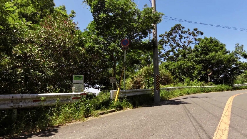 いつも歩く、高尾山創造の森「きぼうの道」への入り口前を通過