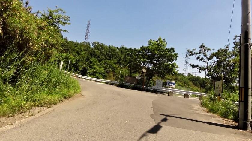 「のどか村」方面への左折地点