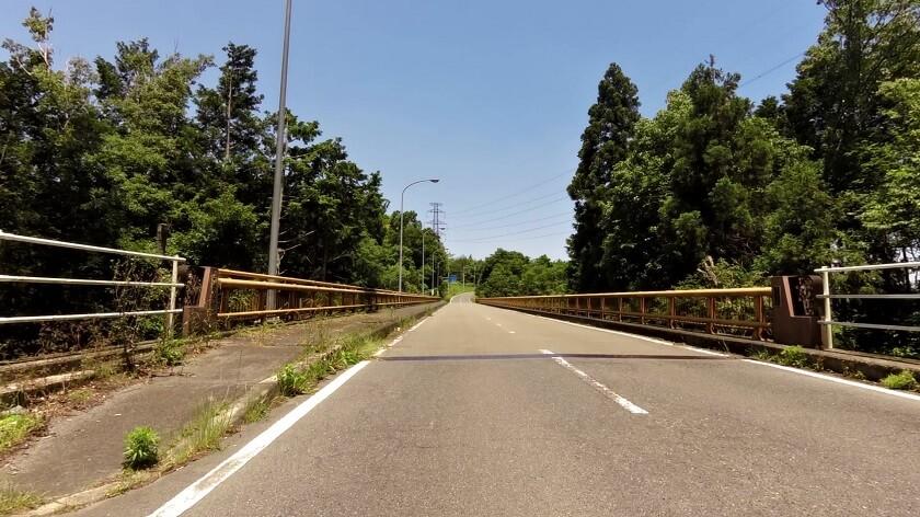 信貴フラワーロード「うぐいす橋」